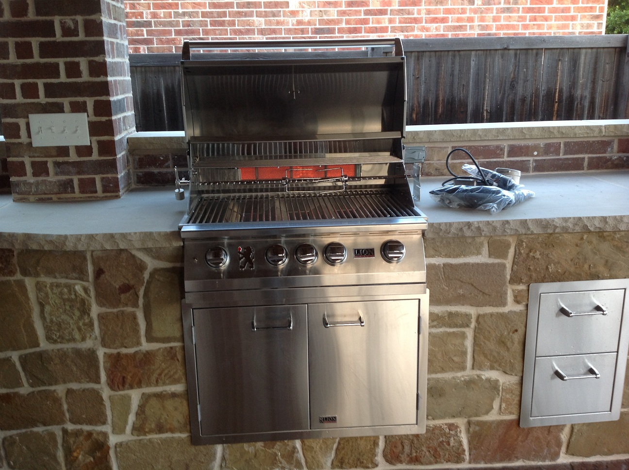 Lion Gas Grill | Outdoor Kitchen Equipment | Outdoor Kitchen & Outdoor Kitchens
